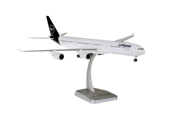 Airbus A340-600 Lufthansa New Livery D-AIHH Scale 1:200 w/G