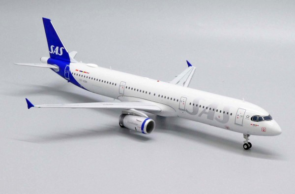 Airbus A321 SAS Scandinavian Airlines OY-KBH Scale 1/200