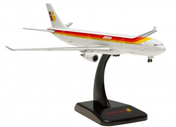 Airbus A330-300 Iberia EC-LUB Scale 1:400
