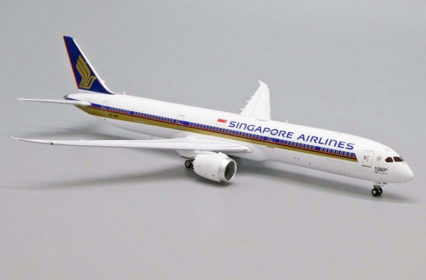 """Boeing 787-10 Singapore Airlines """"1000th 787"""" 9V-SCP Scale 1/400"""