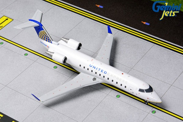 Bombardier CRJ-200 United Express Scale 1/200