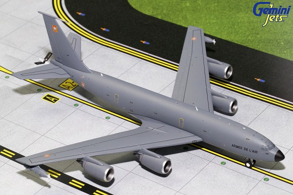 Boeing KC-135R Stratotanker French Air Force 739 Scale 1/200