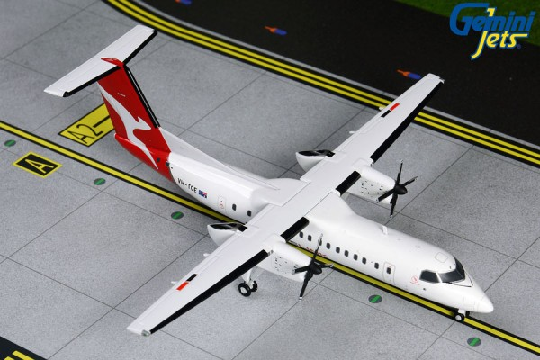 Bombardier Dash 8-300 QantasLink VH-TQE Scale 1/200