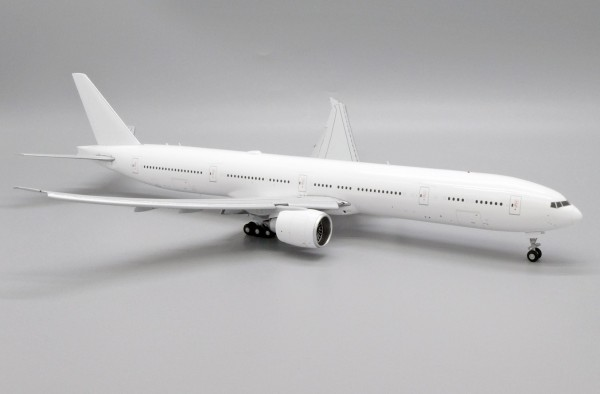 """Boeing 777-300ER """"Blank"""" Flaps Down Version Scale 1/200"""