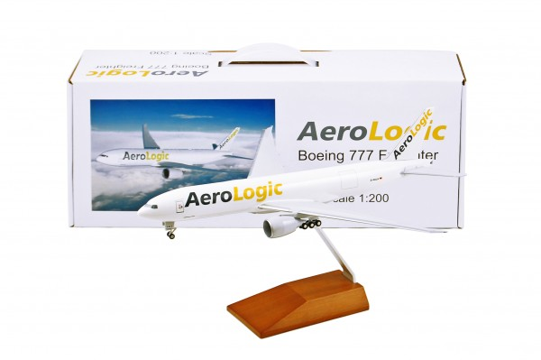 Boeing 777F AeroLogic with wood stand Scale 1:200