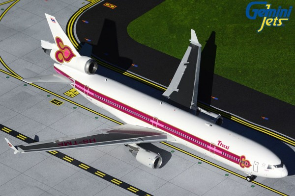 """McDonnell Douglas MD-11 Thai Airways """"1990s Royal Orchid livery"""" Scale 1/200"""