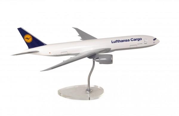 Boeing 777F Lufthansa Cargo Scale 1:100