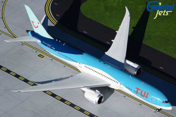 Boeing 787-8 Dreamliner TUI Airways G-TUIM Scale 1/200