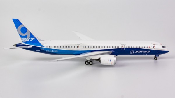 Boeing 787-9 House Color N789EX Scale 1/400