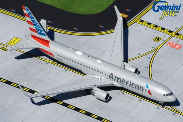 Boeing 767-300ER American Airlines N392AN Scale 1/400