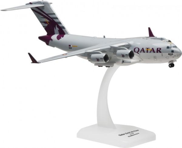 "Boeing C-17A Globemaster III Qatar Emiri Air Force ""Qatar"" Scale 1/200"