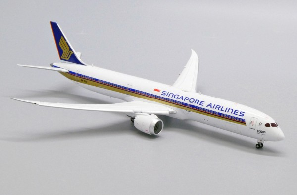 """Boeing 787-10 Singapore Airlines """"1000th 787"""" Flaps Down Version 9V-SCP Scale 1/400"""