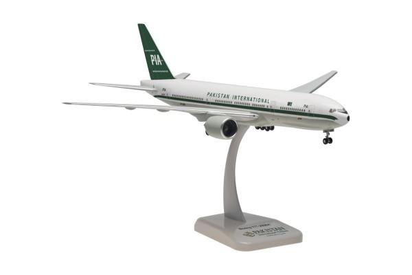 "Boeing 777-200ER Pakistan International Airlines (PIA) ""Retro Design"" AP-BMG Scale 1:200"