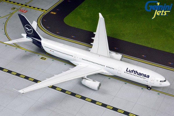 Airbus A330-300 Lufthansa NEW LIVERY D-AIKO Scale 1:200