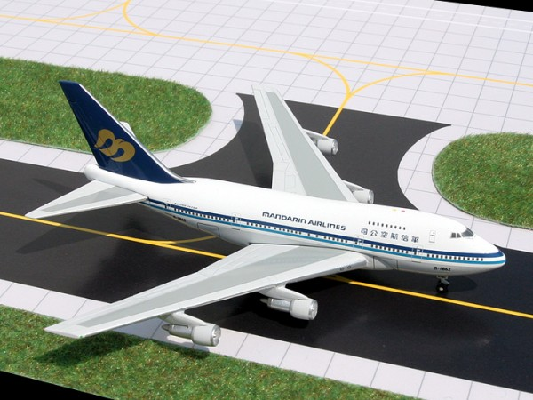 Boeing 747SP Mandarin Airlines Scale 1/400