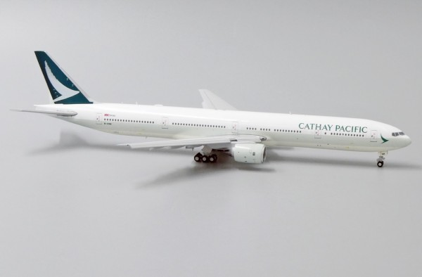 Boeing 777-300 Cathay Pacific Flaps Down Version B-HNM Scale 1/400
