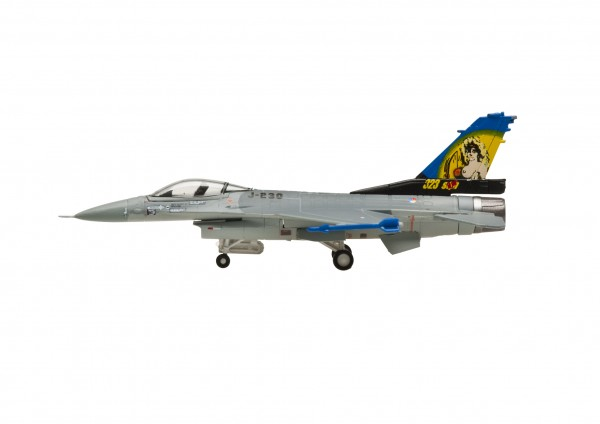"""Lockheed F-16A Fighting Falcon Blk 15 Royal Netherlands Air Force """"Dirty Diana"""" (uc) Scale 1/200"""