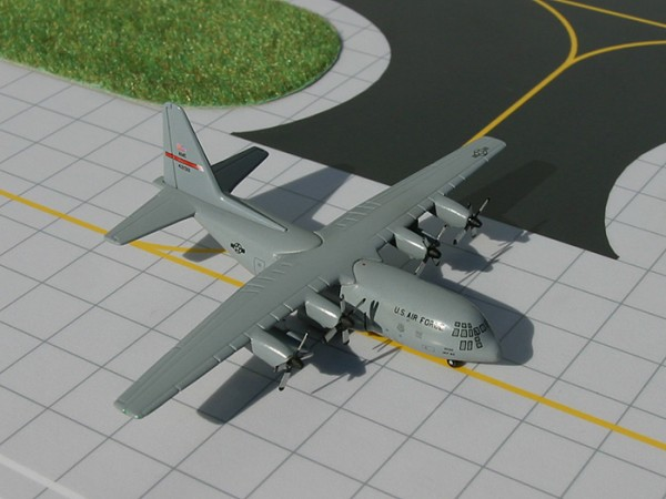 Lockheed C-130 United States Air Force (USAF) 'Dyess' Air Force Base 42134 Scale 1/400