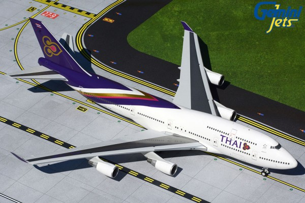 Boeing 747-400 Thai Airways Scale 1/200