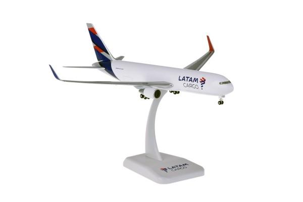 Boeing 767-300F LATAM Scale 1:200