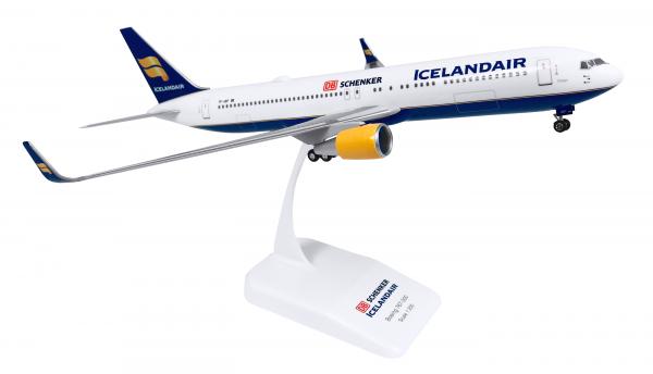 Boeing 767-300 Icelandair/Schenker TF-ISP Scale 1:200 w/G