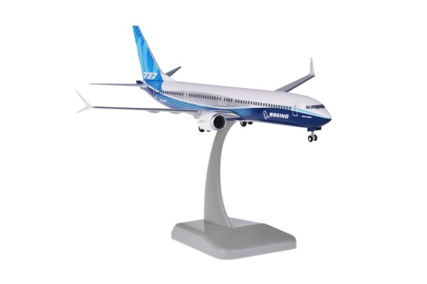 Boeing 737 MAX 10 House Color NL Scale 1:200