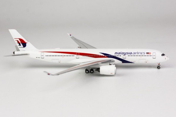 Airbus A350-900 Malaysia Airlines 9M-MAB Scale 1/400