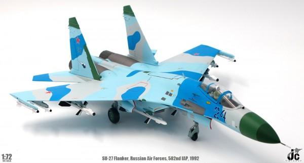 Sukhoi SU-27 Flanker Russian Air Forces 582nd IAP, Poland, 1992 Sale 1/72
