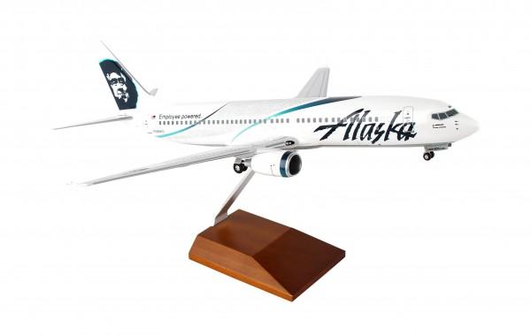 "Boeing 737-800 Alaska Airlines ""Employee Powered"" Scale 1/100 w/Gear"