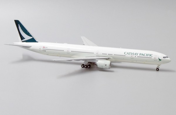 Boeing 777-300 Cathay Pacific B-HNM Scale 1/400