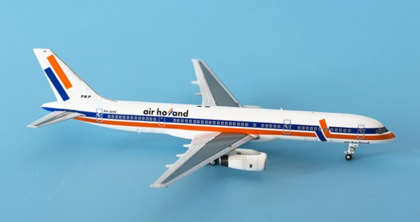 """Boeing 757-200 Air Holland """"early 90´s color"""" PH-AHE Scale 1/400"""