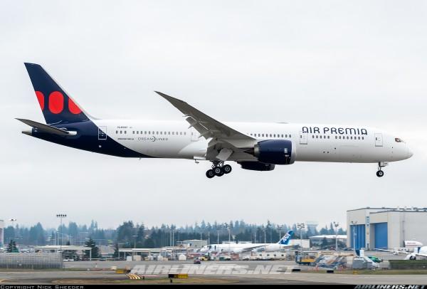 Boeing 787-9 Air Premia HL8387 Scale 1/400