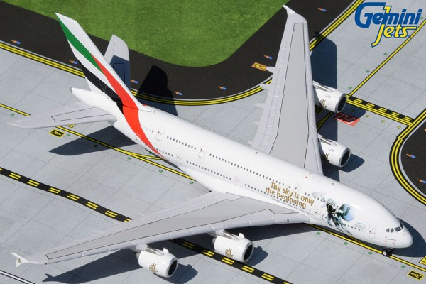 """Airbus A380-800 Emirates """"UAE in Space livery"""" Scale 1/400"""