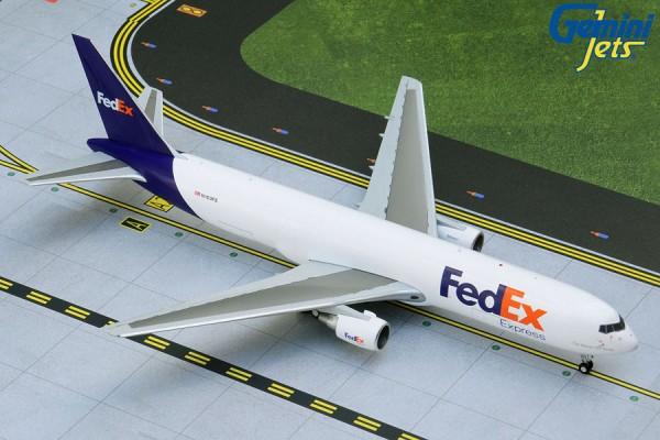 Boeing 767-300F(ER) Federal Express (FedEx) N103FE Scale 1/200