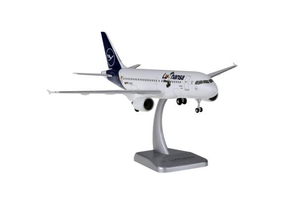 "Airbus A319 Lufthansa New Livery ""LU"" D-AILU Scale 1:200 w/G"