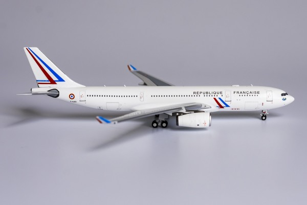 Airbus A330-200 French Air Force F-UJCS Scale 1/400