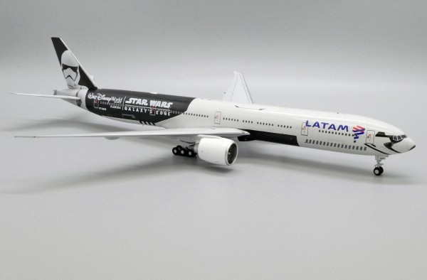 "Boeing 777-300ER LATAM ""Galaxy's Edge"" PT-MUA Scale 1/200 Limited 340pcs"