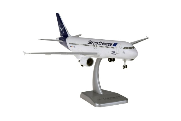 """Airbus A320-200 Lufthansa New Livery """"Say yes to Europe"""" D-AIZG Sindelfingen Scale 1:200 w/G"""