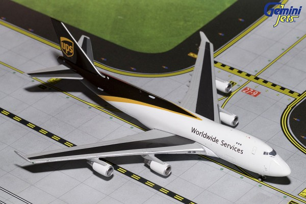 Boeing 747-400F United Parcel Service (UPS) N572UP Scale 1/400