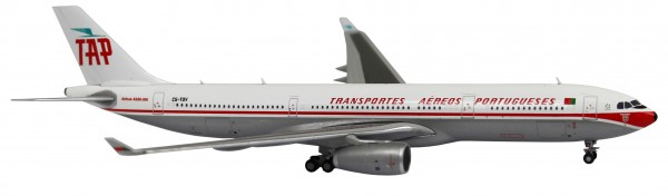 Airbus A330-300 TAP Air Portugal (Retro Livery) CS-TOV Scale 1/400