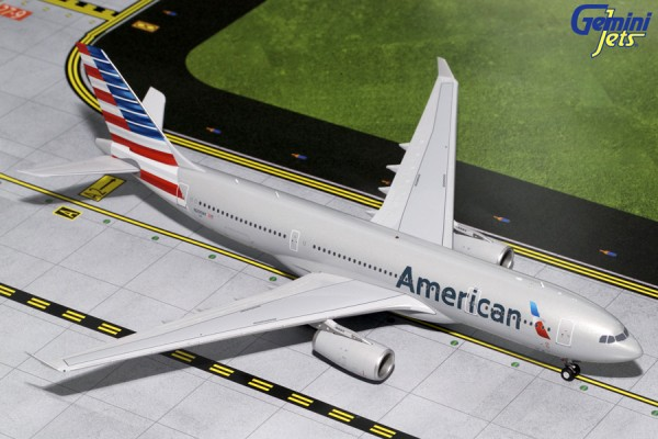 Airbus A330-200 American Airlines N290AY Scale 1/200