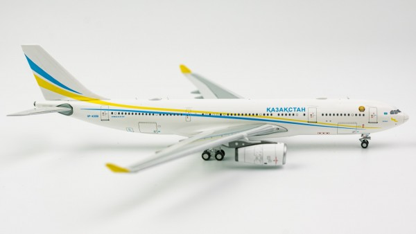 Airbus A330-200 Kazakhstan Government UP-A3001 Scale 1/400