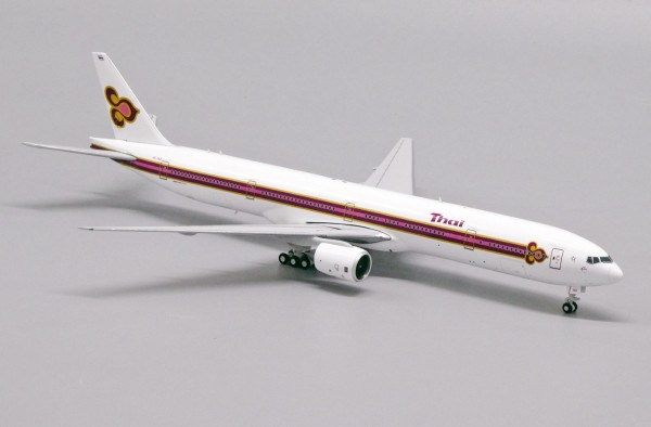 """Boeing 777-300 Thai Airways """"Old Livery"""" HS-TKE Scale 1/400 Limited 210pcs"""