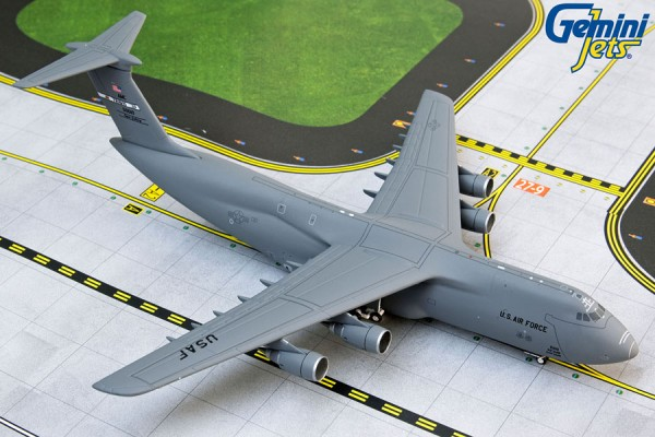 """Lockheed C-5M Galaxy United States Air Force (USAF) """"Travis AFB"""" Scale 1/400"""