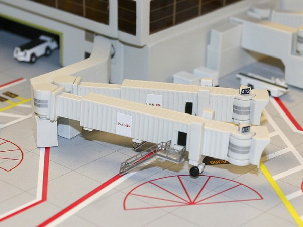 Airbridge Set 2 GeminiJets Scale 1/400