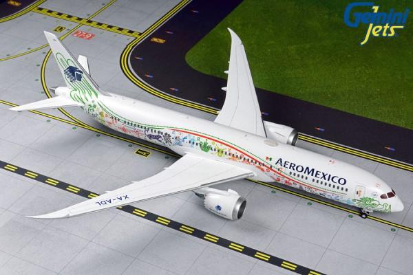"""Boeing 787-9 Dreamliner Aeromexico """"Quetzalcoatl"""" XA-ADL Scale 1/200"""