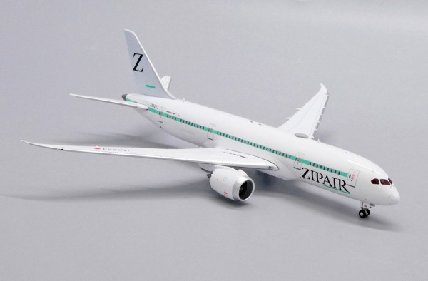 Boeing 787-8 Dreamliner Zip Air Flaps Down Version JA822J Scale 1/400
