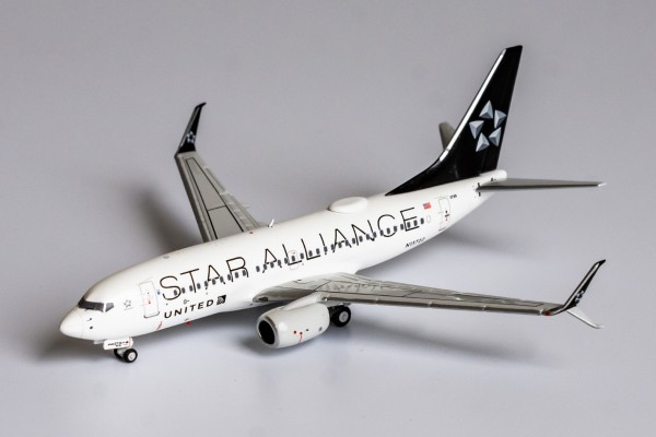 Boeing 737-800 United Airlines Star Alliance c/s; with scimitar winglets N13720 Scale 1/400