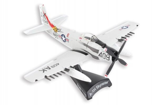 "POSTAGE STAMP Douglas A-1H Skyraider ""Papoose Flight"" Scale 1/110"