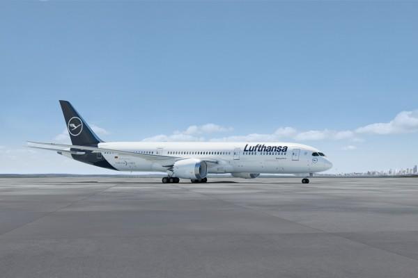 Boeing 787-9 Dreamliner Lufthansa New Livery Scale 1:200 w/G